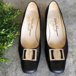 Vintage Ferragamo Block Heel Pump w/Signature